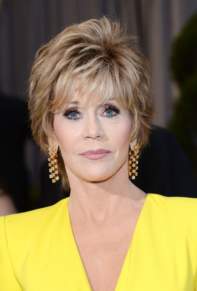 Impecable, Jane Fonda de amarillo