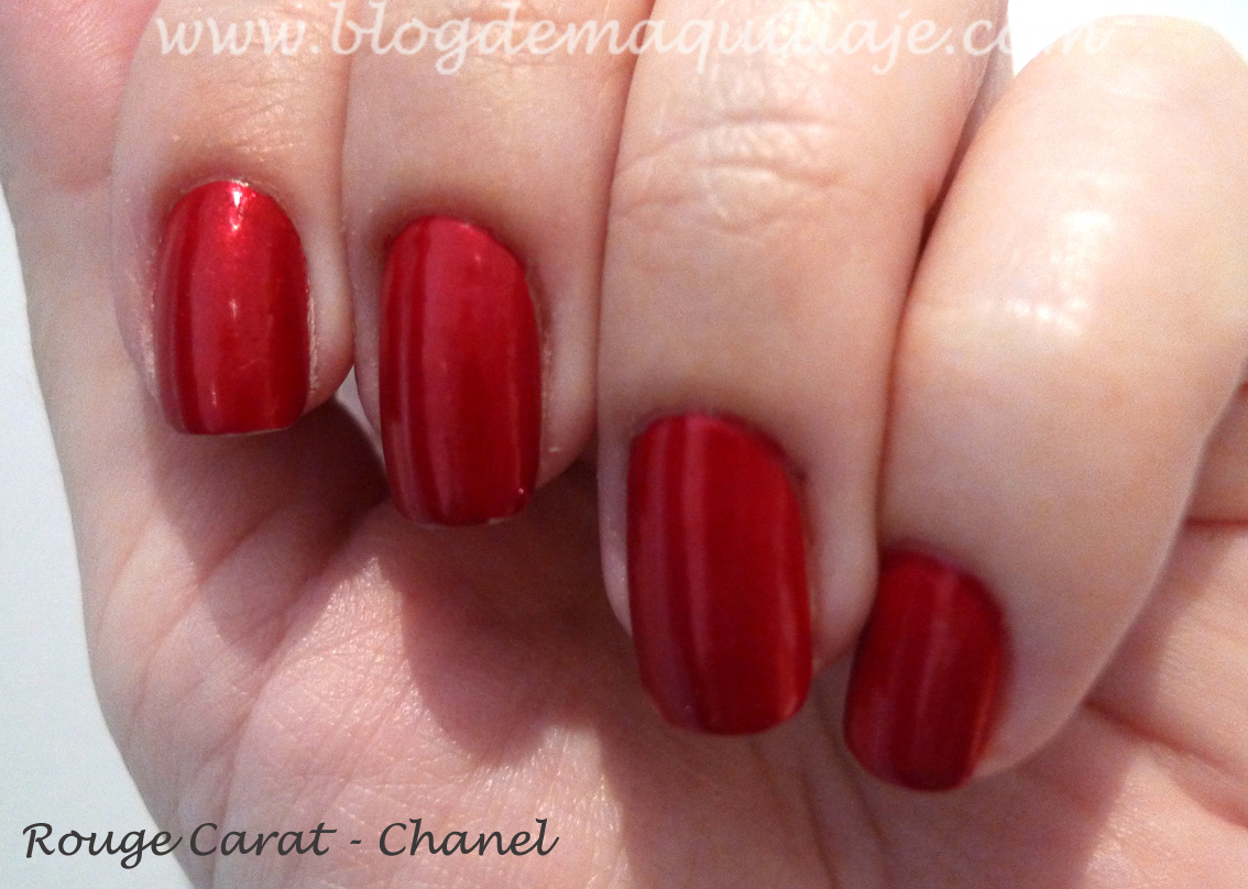 Selección de esmaltes de uñas rojos -