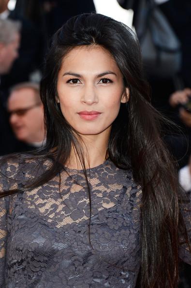 Elodie Yung, muy guapa con un look donde no destacan excesivamente ni labios ni ojos